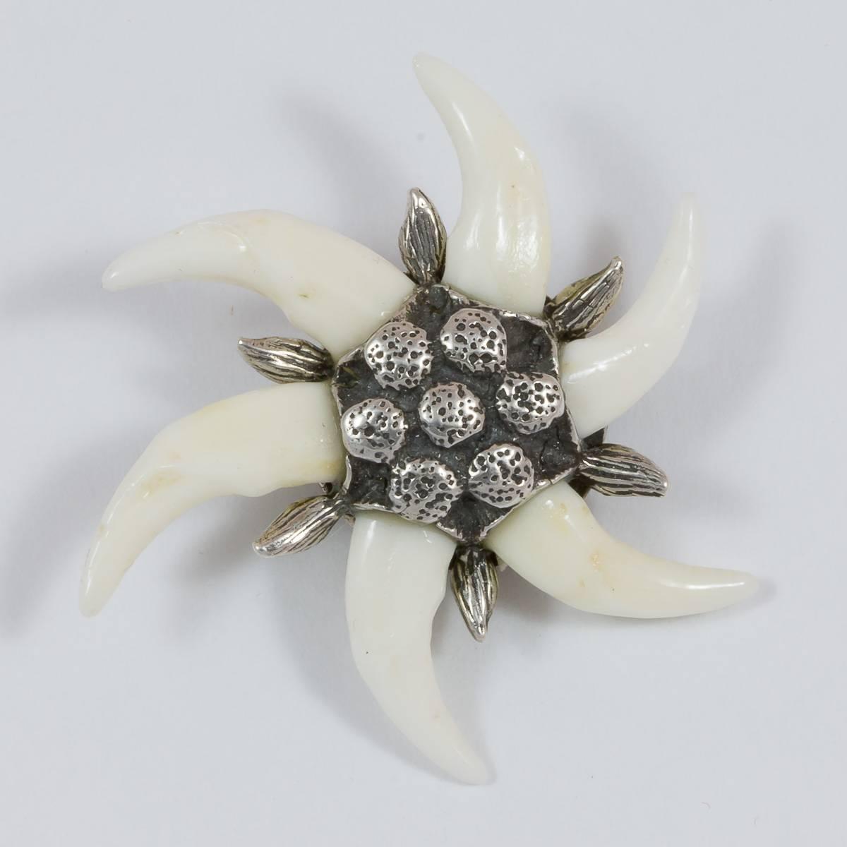 Brosche Edelweiss mit 6 Fuchshaken