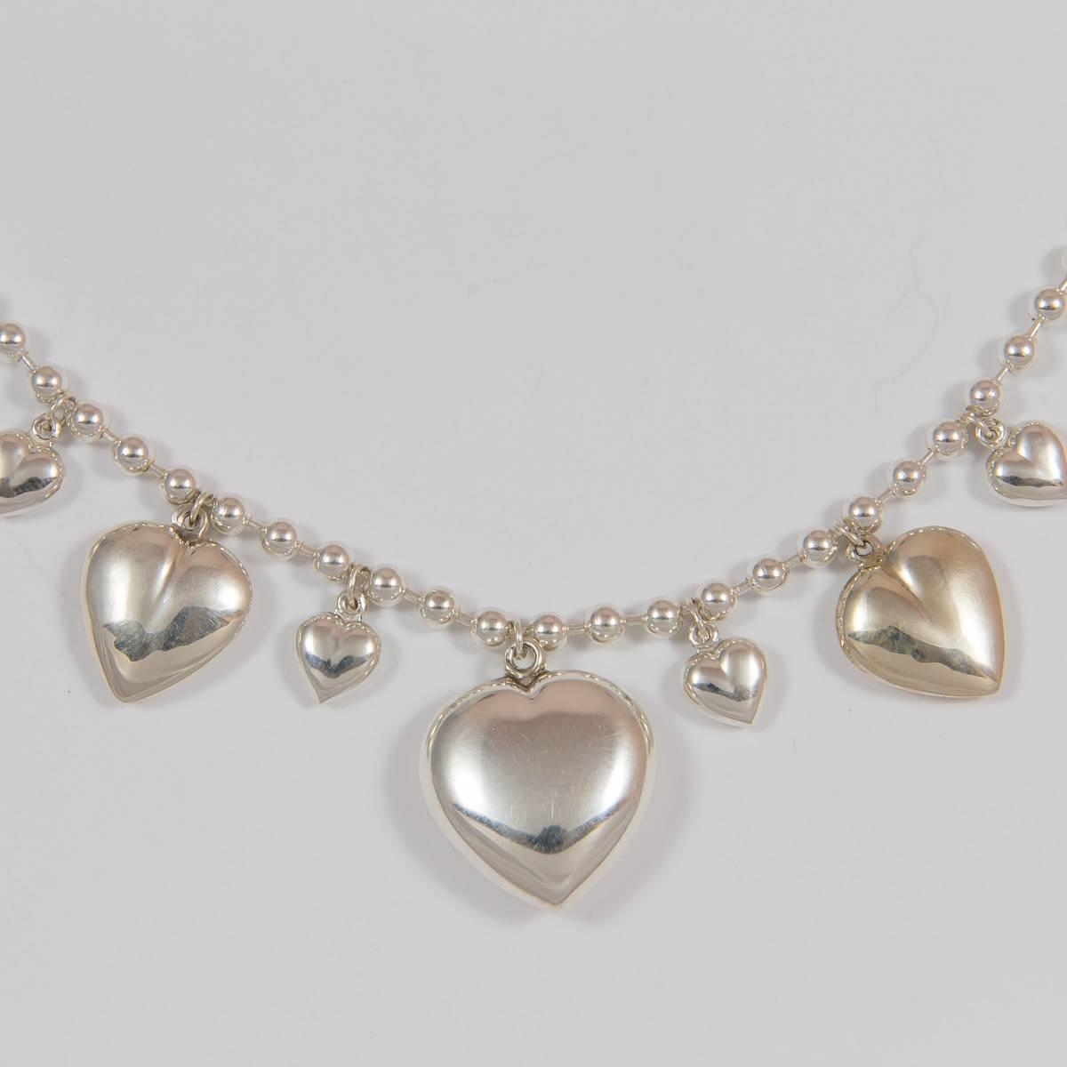 Herz-Collier mit Kugelkette